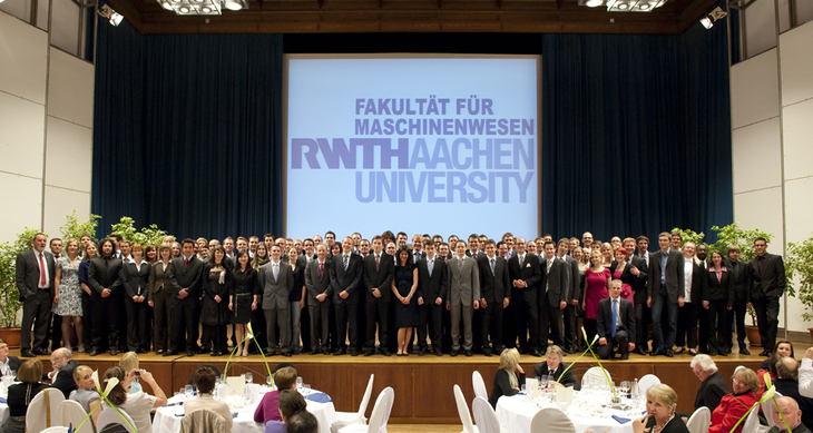 Faculty of Mechanical Engineering alumni on a stage