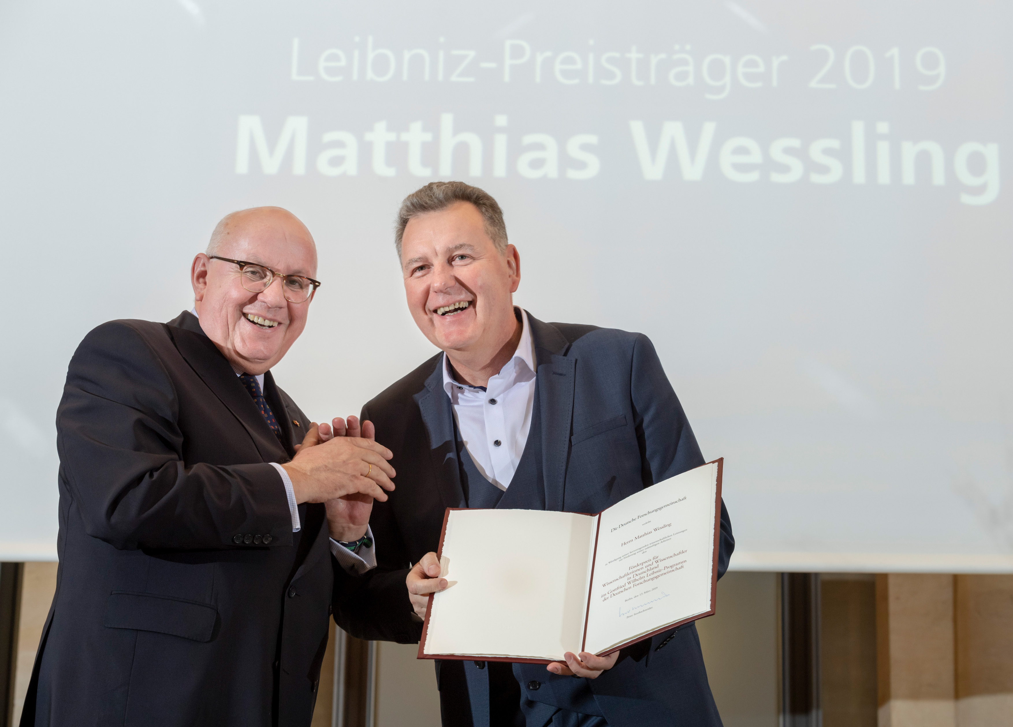 The certificate is presented to Mathias Wessling